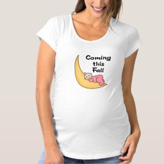 Baby auf Mond-Fall Umstands-T-Shirt