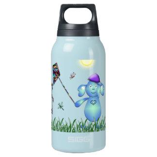 Baby-Blaues im Park Isolierte Flasche