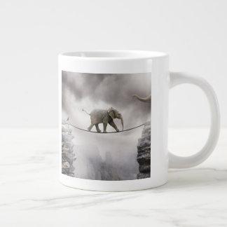 Baby-Elefant-Wege das Drahtseil Jumbo-Tasse