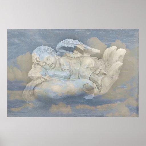Baby-Engels-Flügel, die in der Hand des Gottes sch Plakate