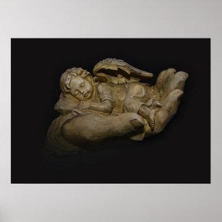 Baby-Engels-Flügel, die in der Hand schlafen Plakat