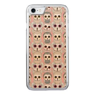 Baby-Eulen auf blassem - rosa Hintergrund-Muster Carved iPhone 8/7 Hülle