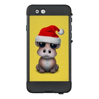 Baby-Flusspferd, das eine Weihnachtsmannmütze LifeProof NÜÜD iPhone 6 Hülle