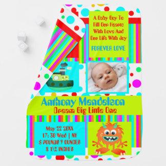Baby-Geburtsmitteilung des Spaßes bunte Kinderwagendecke