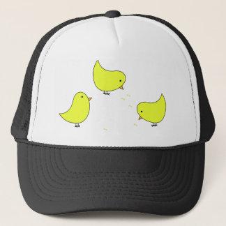Baby-gelbe Küken und Samen Truckerkappe