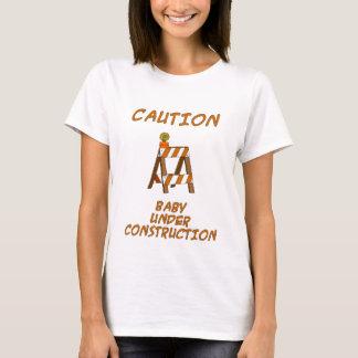 Baby im Bau T-Shirt