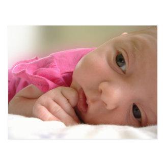 Baby im Rosa Postkarte