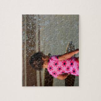 Baby in Rosa eins sie im Brunnen Jigsaw Puzzle