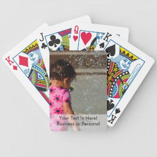 Baby in Rosa eins sie im Brunnen Pokerkarten