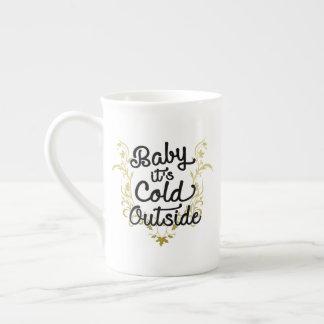 Baby ist es kalte Außenseite Porzellantasse