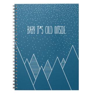 Baby ist es kaltes äußeres Notizbuch Notizblock