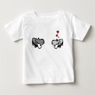 Baby-Jersey-T - Shirt - Flusspferd in der Liebe -