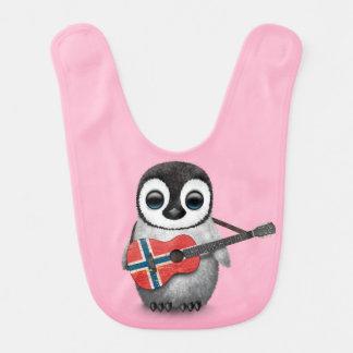 Baby-Pinguin, der norwegisches Lätzchen
