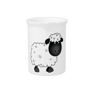 Baby-Schafe für Mutterschaf Krug
