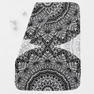 Baby-umfassende Mandala Mehndi Art G444 Babydecke
