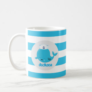 Babyblau-Strandwal addieren Namensmonogramm-Tasse Kaffeetasse