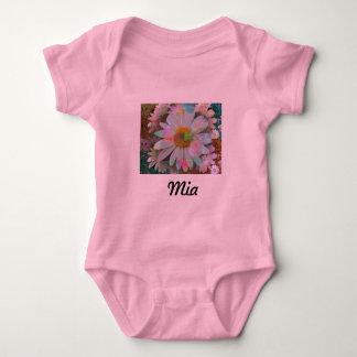 Babybody rosa mit Blumenmotiv - Mia Baby Strampler