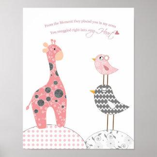 Babymädchen-Kinderzimmerkunst (snuggled in mein He Poster