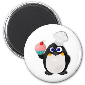Bäcker-Pinguin mit kleinem Kuchen II Magnete