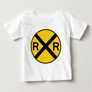 Bahnübergang Landstraßen-Zeichen- Baby T-shirt