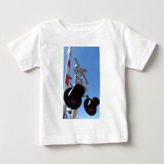 Bahnübergang Lichter und Arm Baby T-shirt