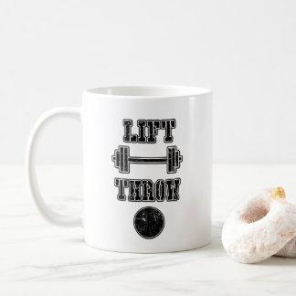Bahnund Feldschuß gesetztes Kaffeetasse