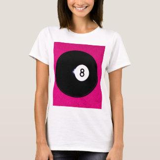 Ball 8 auf Rosa T-Shirt