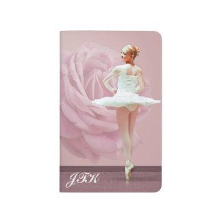 Ballerina in der weißen, rosa Rose, Monogramm Tagebuch