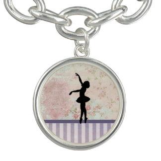 Ballerina-Silhouette auf elegantem Vintagem Muster Charm Armband
