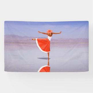 Ballerina-Tanzen auf dem Strand Banner