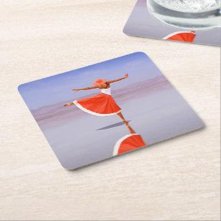 Ballerina-Tanzen auf dem Strand Rechteckiger Pappuntersetzer