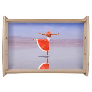 Ballerina-Tanzen auf dem Strand Tablett
