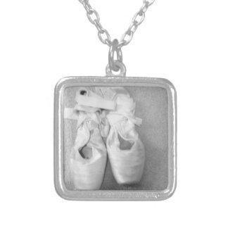 Ballett-Pantoffel-Halskette Versilberte Kette