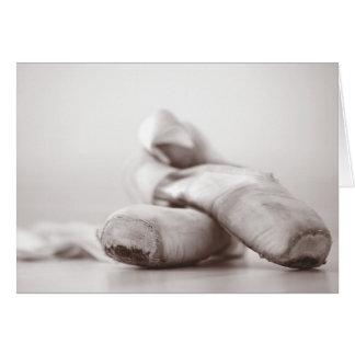 Ballett Pointe Schuhe auf Dance Floor-Schablone Karte