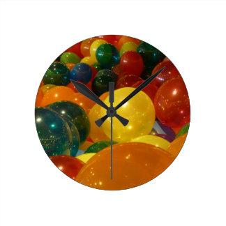 Ballon-bunter Party-Entwurf Runde Wanduhr
