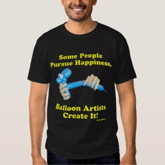 Ballon-Künstler stellen Glück-Hände und Hund her Tshirt