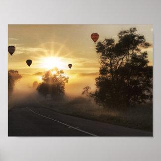 Ballone am Sonnenaufgang Poster