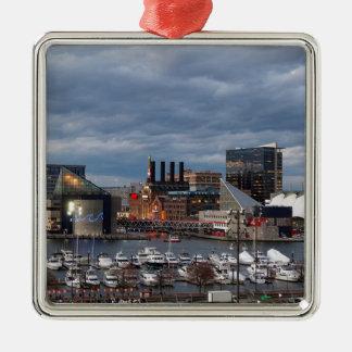 Baltimore-Sonnenuntergangs-Skyline Quadratisches Silberfarbenes Ornament