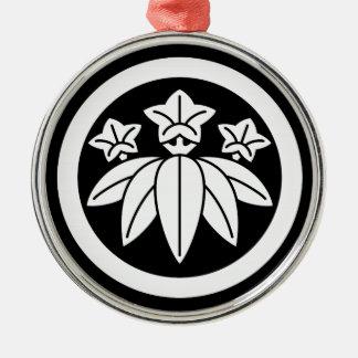 Bambus-ähnlicher Enzian im Kreis Silbernes Ornament