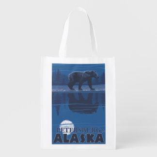 Bär im Mondschein - Petersburg, Alaska Wiederverwendbare Einkaufstasche