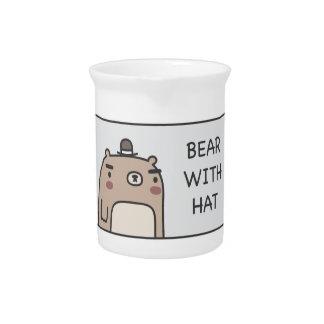 Bär mit Hut Getränke Pitcher