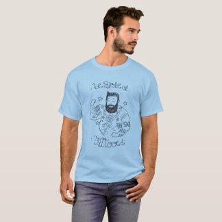 bärtig tätowiert T-Shirt
