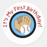 Baseball und Handschuh-1. Geburtstags-T-Shirts und Runder Aufkleber