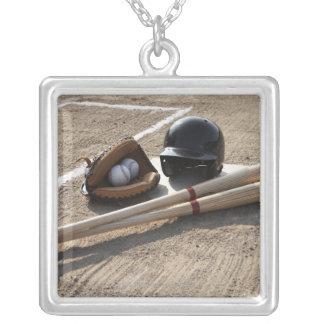 Baseballhandschuh Versilberte Kette