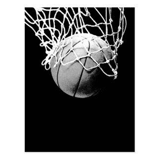 Basketball in den postkarte