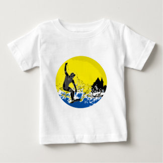 baskischer Surfer von Biarritz in Aktion Baby T-shirt