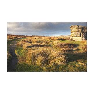 Baslow Rand mit dem Adler-Steinandenken-Foto Leinwanddruck