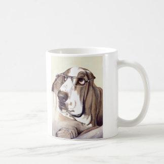 """Basset Hound mit """"schauen meine Augen in diesen Kaffeetasse"""