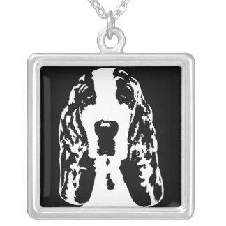 Basset Hound quadratisches Keychain Versilberte Kette