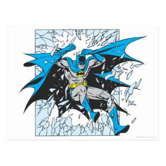 Batman birst durch Glas Postkarte